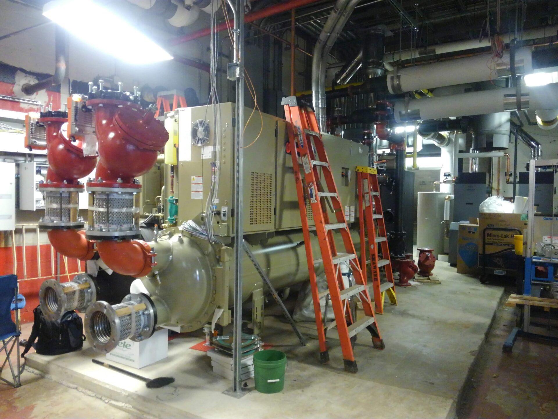 TRANE 350 ton Chillers - Shawnee HS